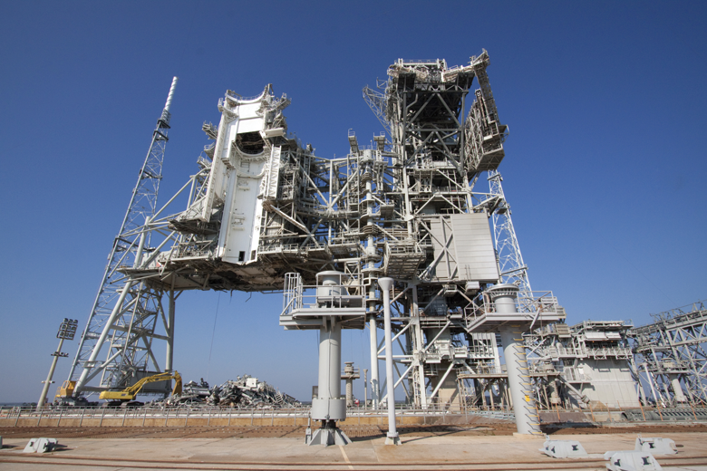 nasa-launch-pad-39b-demolition-lvi-1