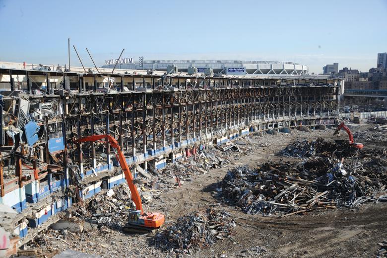 yankee-stadium-demolition-1
