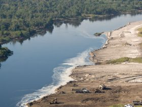 09/26/08 Kissimmee River Phase IVB backfilling 4b restoration
